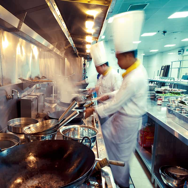 https://www.honeysource.com/wp-content/uploads/2021/05/chef-kitchen.jpg