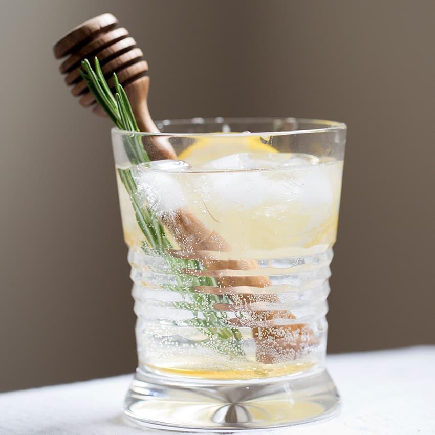 https://www.honeysource.com/wp-content/uploads/2021/05/honey-cocktail.jpg