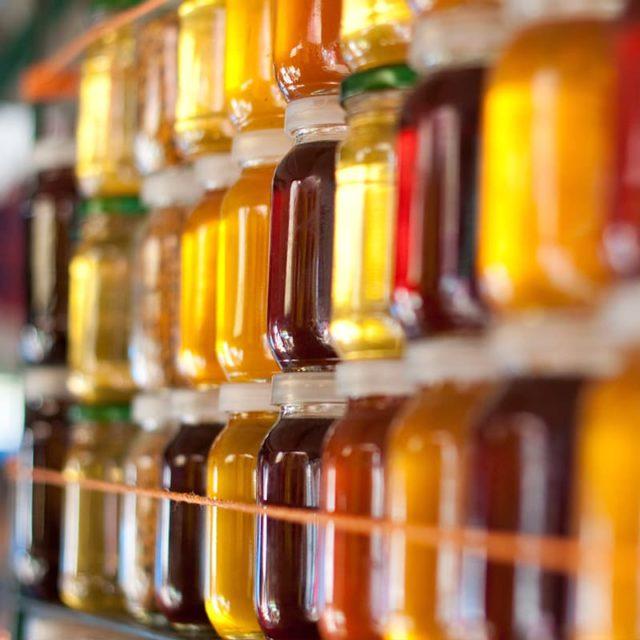 https://www.honeysource.com/wp-content/uploads/2021/05/honey-jars-on-shelf-640x640.jpg